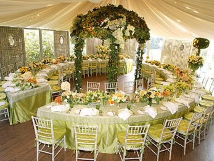 Wedding Table Design a quirky diy wedding day Wedding Table Designs Wedding Head Table Wedding Reception 2122 Designs Html